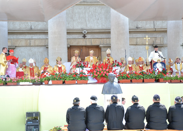 beatificarea-episcopului-romano-catolic-janos-scheffler05