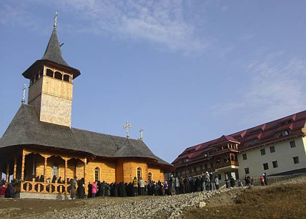 manastirea-paltin-petru-voda-1