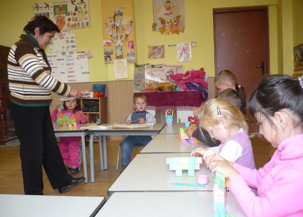 educatoarea-ileana-pall-si-copii