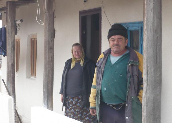 gazdele-de-azi-nepotul-ioan-cu-sotia-aurelia-latis