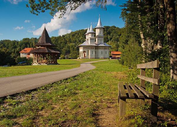 spre-manastire