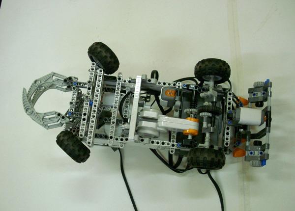 robot-lego05