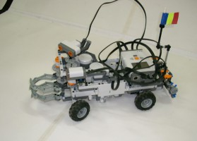 robot-lego02