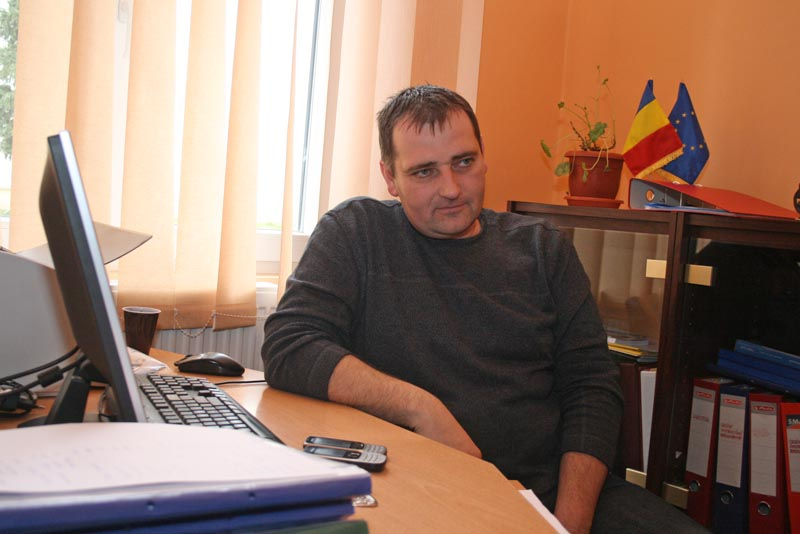 Gozner Csaba directorul scolii din Moftin