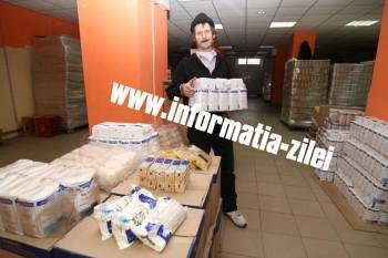 A opta ediţie a programului de distribuire a alimentelor de la Uniunea Europeană românilor săraci bate pasul pe loc.