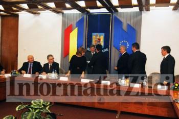 inmânarea certificatelor de parlamentar