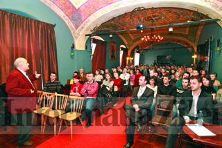 Colegiul Medicilor Dentişti din Satu Mare îi invită pe colegi la alegerile din 5 decembrie