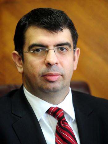 Robert Cazanciuc va audia candidaţii