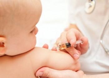 Medicii de familie corectează afirmaţiile ministrului Sănătăţii privind acoperirea vaccinală