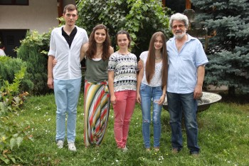 Bianco, Alexandra, Lorena, Diana, Carol Erdos