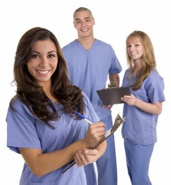 asistente ce-si pot dezvolta cariera studiind in continuare