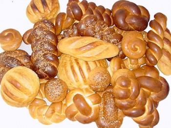Numărul de calorii al unei felii de pâine variază în funcţie de făina folosită şi ingrediente