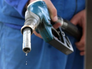 Pretul benzinei nu va creste ca urmare a maririi accizei la carburanti