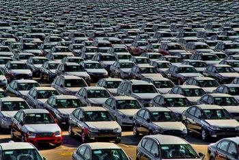 Piata auto a scazut cu 8.1%