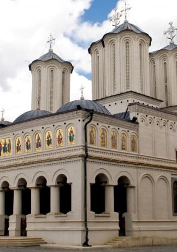 85% din români se declară de religie ortodoxă