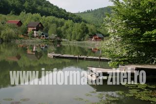 Lacul Mujdeni