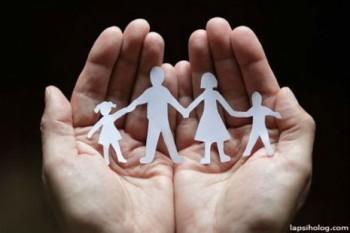 825.000 de semnături pentru familia tradiţională
