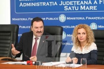 Seful AJFP, Mircea Ardelean si purtatoarea de cuvant, Dana Godja, la conferinta de presa