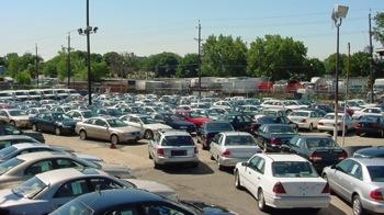 Romanii cumpara masini second-hand la un pret mediu de 3.500 de euro