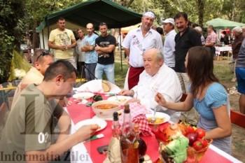 Celebrul bucatar Laci Bacsi din Budapesta a fost presedintele juriului la concursul de gatit la ceaun