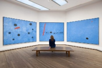 Triptic albastru de Joan Miro