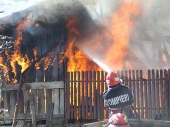 incendiu casa