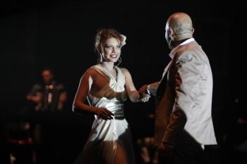 Scenă din spectacol, cu Claudia Ieremia