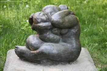 Sculptură de George Apostu expusă în Bucureşti