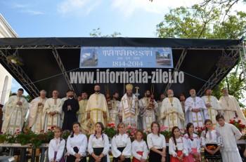 Liturghia a fost oficiată de episcopul Iustin şi un sobor de 30 de preoţi şi diaconi
