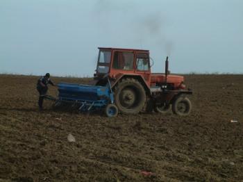 Din totalul de peste 880.000 de fermieri din România care au solicitat subvenţii pentru anul 2018, aproximativ 4.200 au vârste cuprinse între 91 şi 100 de ani