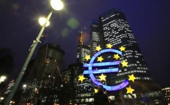 Masurile de stimulare protejeaza zona euro de criza din Grecia