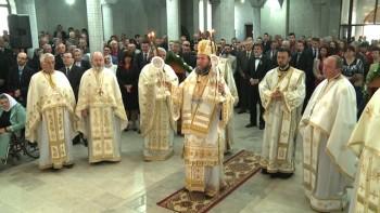 Episcopul Iustin Sigheteanul a savarsit Sfanta Liturghie la biserica Nasterea Domnului