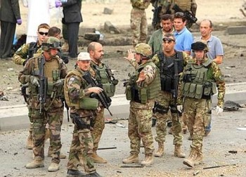 Prezenta militarilor americani in Ucraina ar putea destabiliza situatia in estul tarii