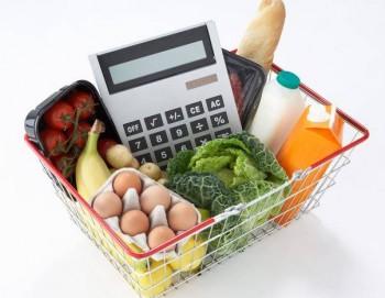 Trei sferturi din veniturile romanilor se cheltuie pe consum