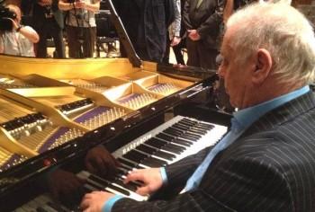 Barenboim la noul tip de pian