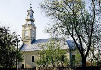 Slujbă de resfinţire a Bisericii ortodoxe din Lipău