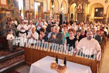 Credincioşii ortodocşi şi greco-catolici au prăznuit Sfânta Treime
