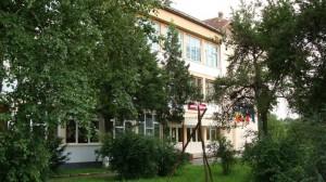 liceul-Livada-300x168