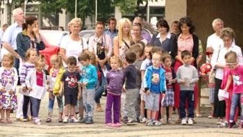 cei mai tineri participanti la manifestarile prilejuite de Ziua Imnului