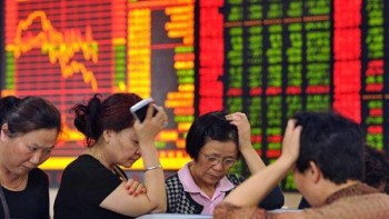 prabusirea bursei din Shanghai are efect de domino pe toate pietele financiare ale lumii