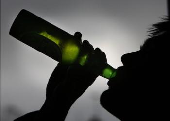 Specialiştii au dorit să afle ce anume influenţează adoptarea şi menţinerea comportamentelor recum consum de alcool şi tutun, droguri şi iniţierea timpurie a vieţii sexuale