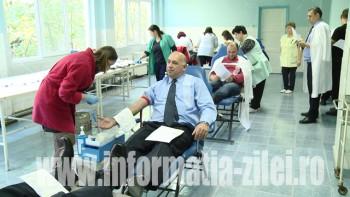 Încă 100 de sătmăreni au donat sânge pentru victimele din Bucureşti