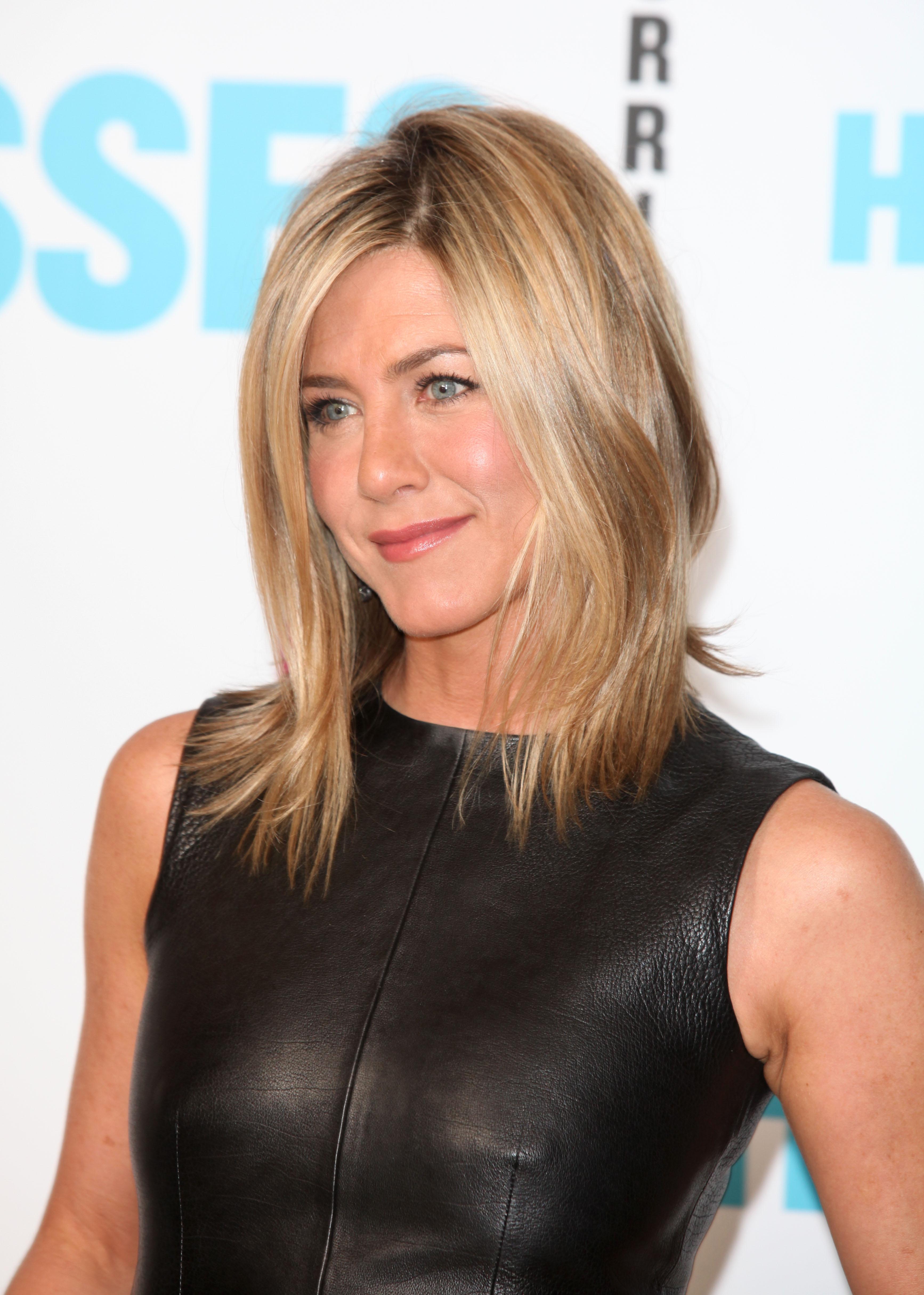 """Jennifer Aniston, desemnată de People """"cea mai frumoasă ... Jennifer Aniston"""