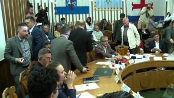 Consilierii UDMR au părăsit sala de şedinţe în momentul în care primarul Coica i-a acuzat că vor să dea şcoala Nr. 5 la Liceul Reformat