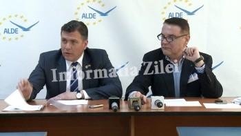 Adrian Stef a prezentat presei o hartie de la o agentie din Ungaria cu privire la problema cetateniei maghiare