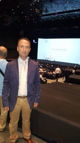 Medicul stomatolog Cosmin Raţiu printre cei 16 români prezenţi la Congresul de Implantologie de la Barcelona