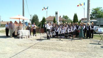 Corul din Finteuşul Mare a interpretat cântece patriotice la Ziua comunei Moftin