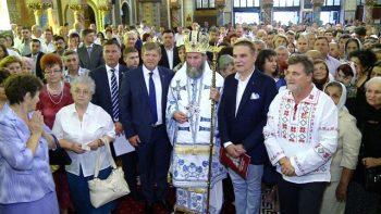 Sute de satmareni au participat la Sfintirea Catedralei Adormirea Maicii Domnului