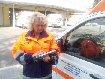 De la 1 septembrie, ambulanţele vor avea în dotare şi tablete electronice