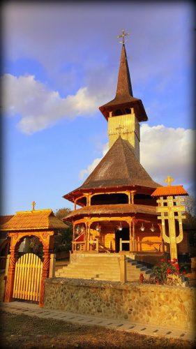 Biserica din lemn din Negreşti Oaş îşi sărbătoreşte hramul